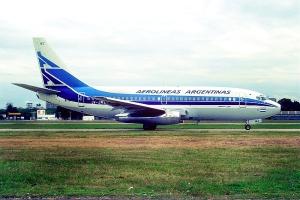 800px-Aerolíneas_Argentinas_Boeing_737-287;_LV-JMZ,_March_1993_BBA_(5884288942)