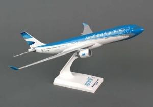 maqueta-aerolineas-argentinas-a330-200-1200-skymarks-avion-833601-MLA20348786162_072015-O