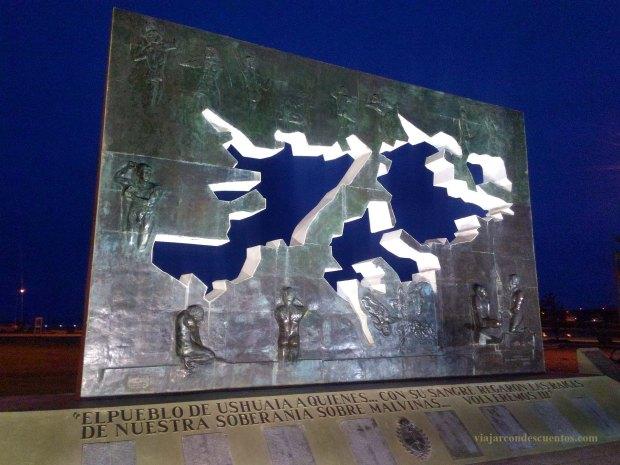 monumento-a-caidos-en-malvinas-ushuaia
