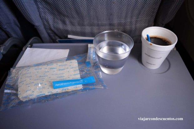 refrigerio-a-bordo-aerolineas-argentinas