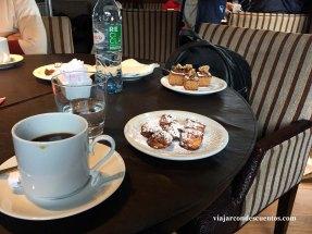 03 Desayuno en crucero Leal